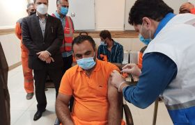 آغاز واکسیناسیون مشاغل گروه یک/ کاهش ۲۹ درصدی بستری هایی کرونایی در گیلان