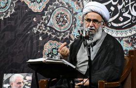 امام خمینی(ره) ما را با یک دنیای جدید از معرفت و معنویت آشنا کرد