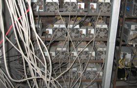 کشف ۲۱۵ دستگاه ماینر از کارگاه بلوکزنی در خمام!